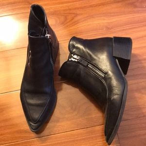 Zara Shoes - Zara Pointed Toe Black Ankle ZIP Booties